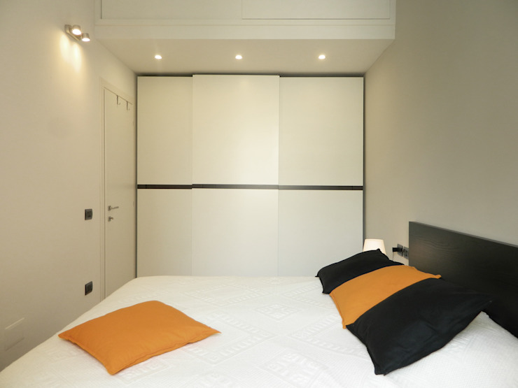 camera da letto_01 Camera da letto moderna di M2Bstudio Moderno