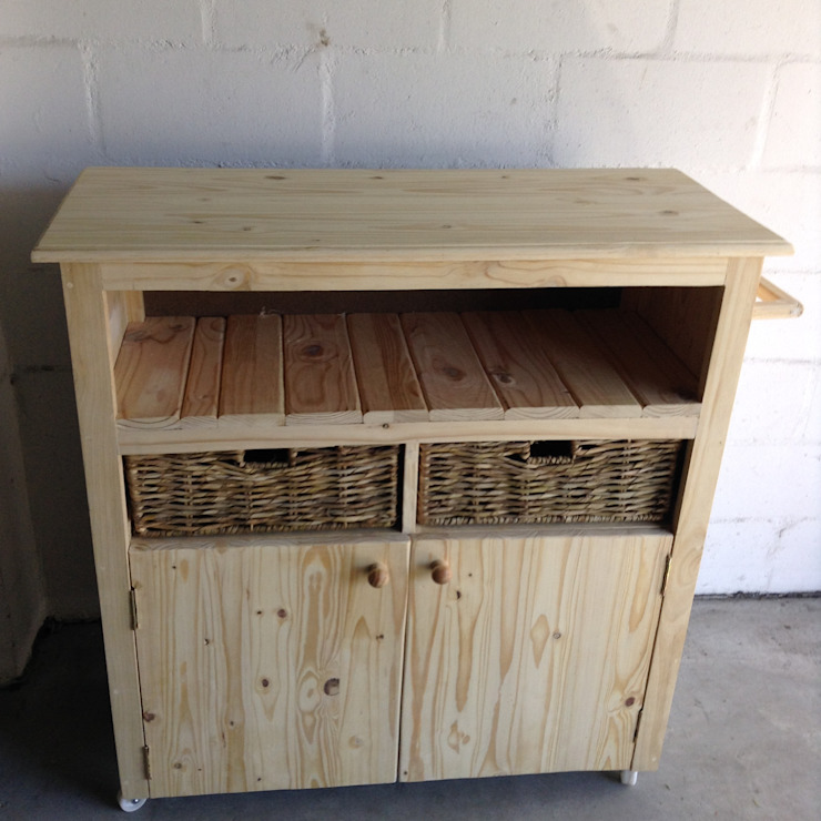 Kitchen Island Unit: rustic  by Pallet Furniture Cape Town, Rustic