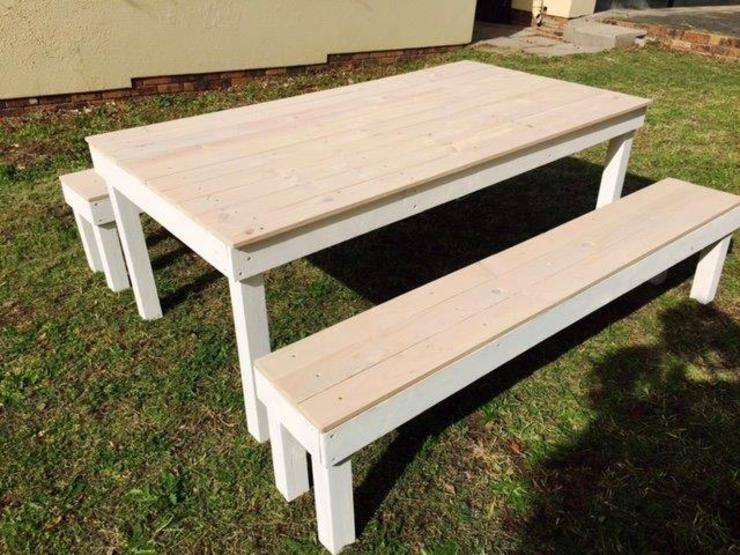 6 Seater Table Bench: rustic  by Pallet Furniture Cape Town, Rustic