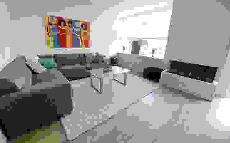 Foto 3 woonkamer Moderne woonkamers van Anne-Carien Interieurarchitect Modern