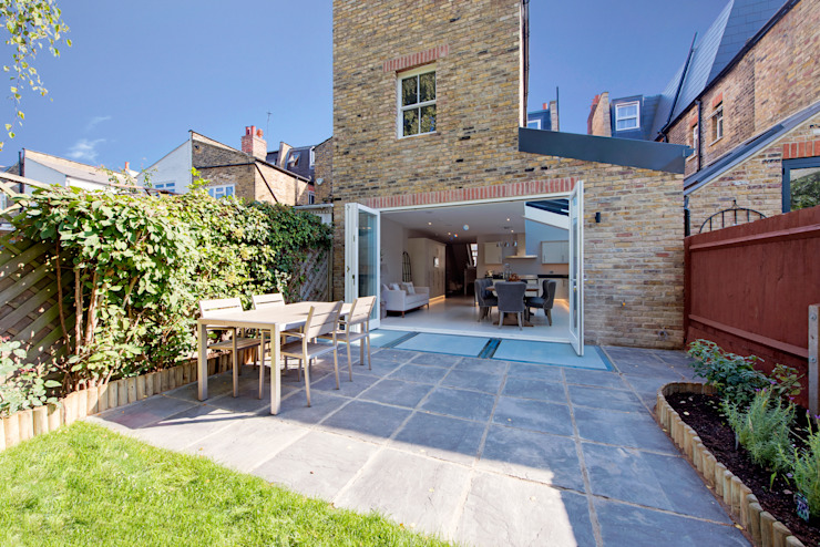 House Renovation Lysia Street, Fulham SW6 Modern Corridor, Hallway and Staircase by APT Renovation Ltd Modern
