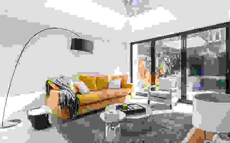 Lillieshall Road, London, SW4 Modern Living Room by APT Renovation Ltd Modern