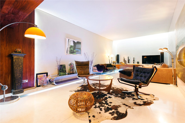 Fashion Street, E1 Modern Living Room by APT Renovation Ltd Modern