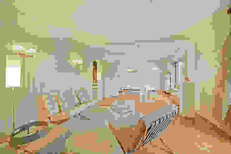 Münchner home staging Agentur GESCHKA Living room Beige