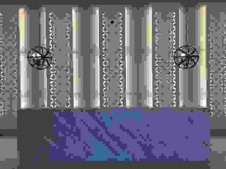 Recpecion iluminada Pasillos, vestíbulos y escaleras de estilo moderno de Ecologik Moderno