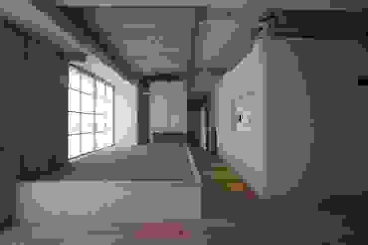 by 近藤晃弘建築都市設計事務所 Asian Wood Wood effect