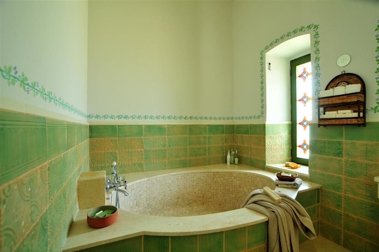 Salle de bain méditerranéenne par homify Méditerranéen