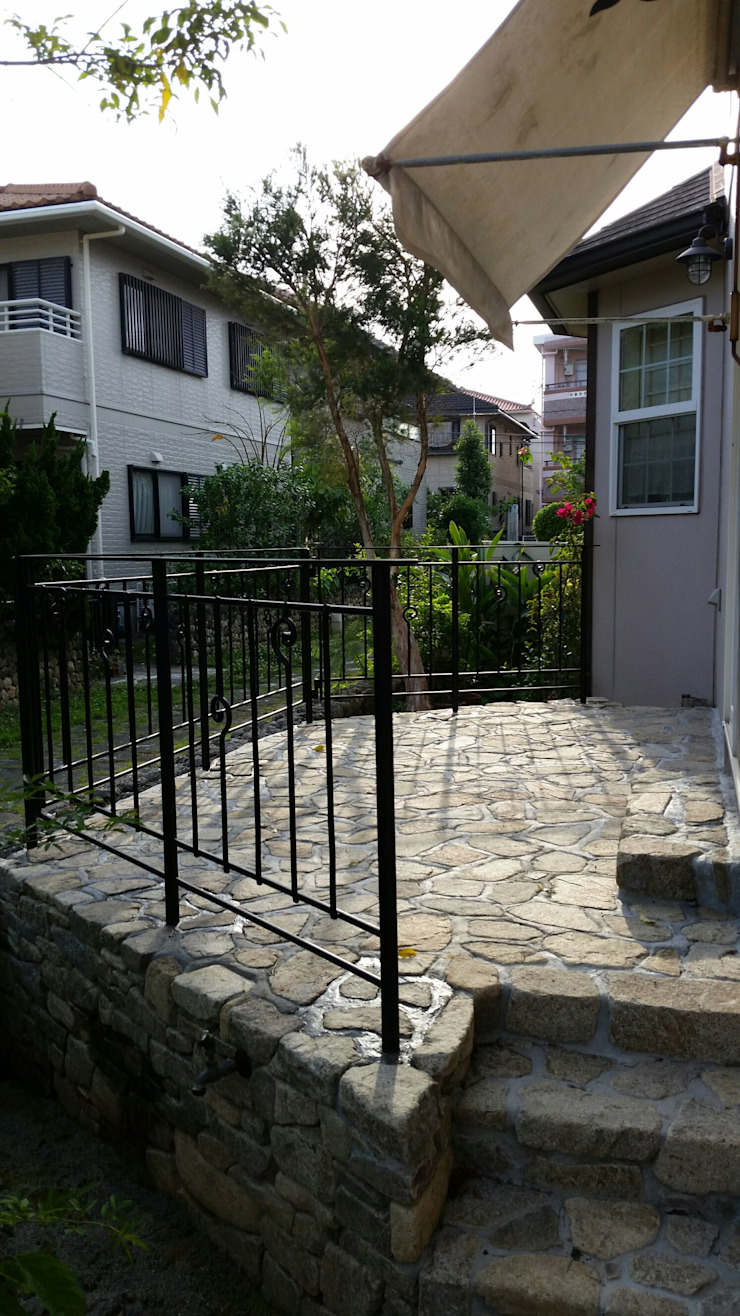 Eclectic style garden by 艸木/SOUMOKU Eclectic Iron/Steel