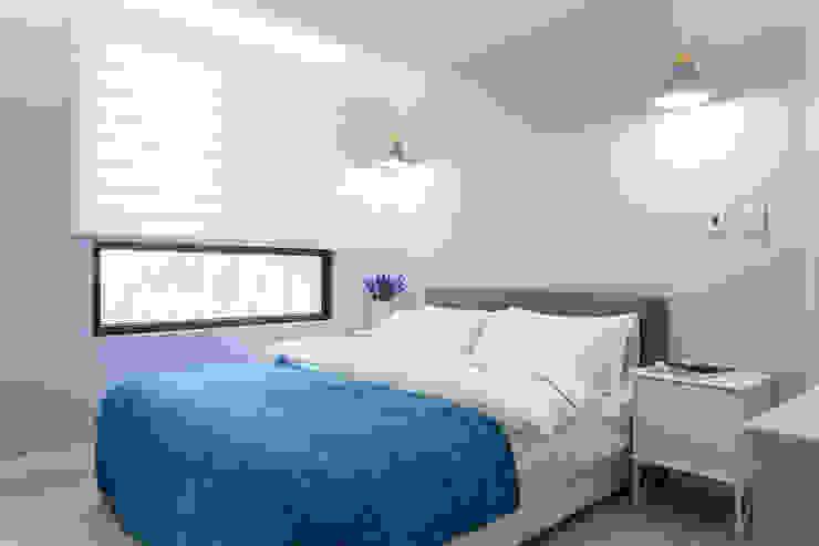 Scandinavian style bedroom by 宅即變空間微整形 Scandinavian