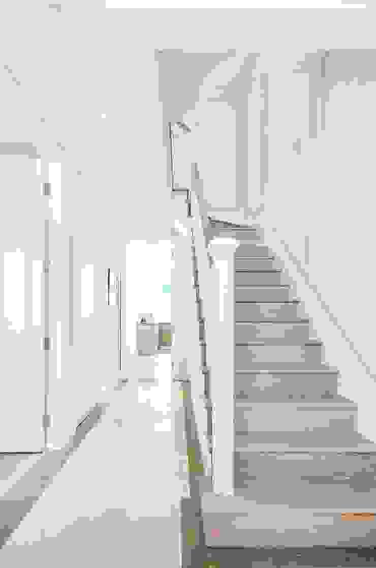 Sulivan Road, Hurlingham, SW6 Modern Corridor, Hallway and Staircase by APT Renovation Ltd Modern