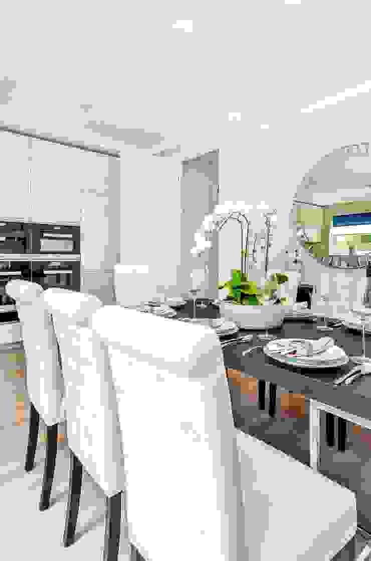 Sulivan Road, Hurlingham, SW6 Modern Kitchen by APT Renovation Ltd Modern
