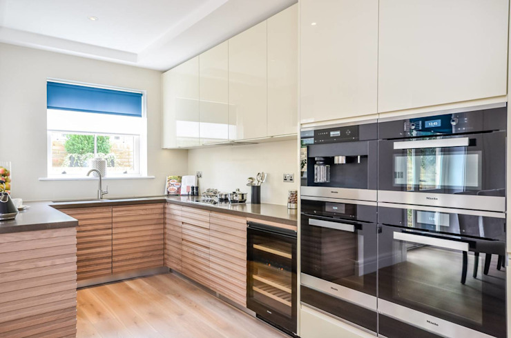 Sulivan Road, Hurlingham, SW6 Modern kitchen by APT Renovation Ltd Modern