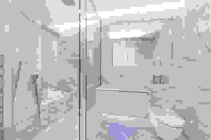 St. James's Terrace, St John's Wood, NW8 Modern Bathroom by APT Renovation Ltd Modern