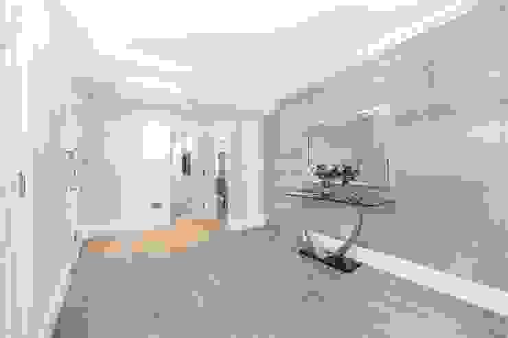 St. James's Terrace, St John's Wood, NW8 Modern Corridor, Hallway and Staircase by APT Renovation Ltd Modern