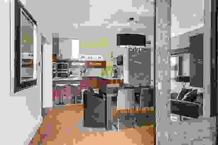 The Icon, Grosvenor Road, London, SW1V Modern Kitchen by APT Renovation Ltd Modern