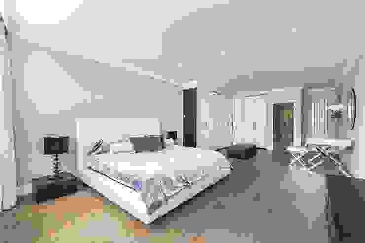 The Icon, Grosvenor Road, London, SW1V Modern Bedroom by APT Renovation Ltd Modern