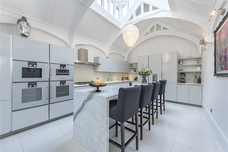 Victoria Square, London SW1W Modern Kitchen by APT Renovation Ltd Modern