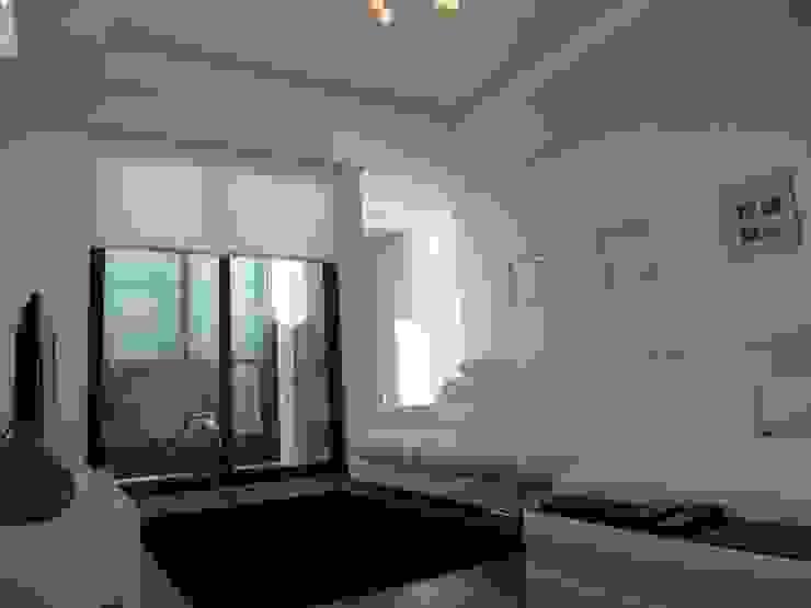 Moderne Wohnzimmer von Peritraço Arquitectura Modern
