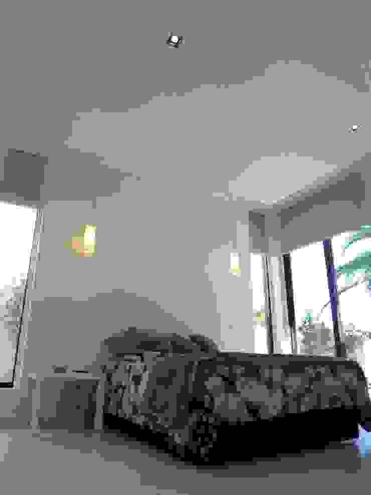 Moderne Schlafzimmer von Peritraço Arquitectura Modern