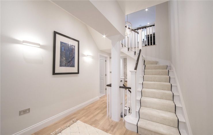 Wellington St Johns Wood NW1 Modern Corridor, Hallway and Staircase by APT Renovation Ltd Modern