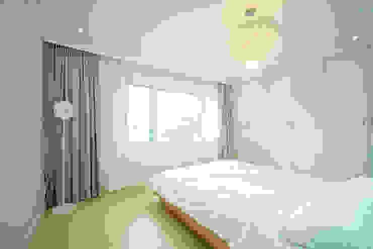 화이트 인테리어 White Interior 모던스타일 침실 by 골방디자인 모던