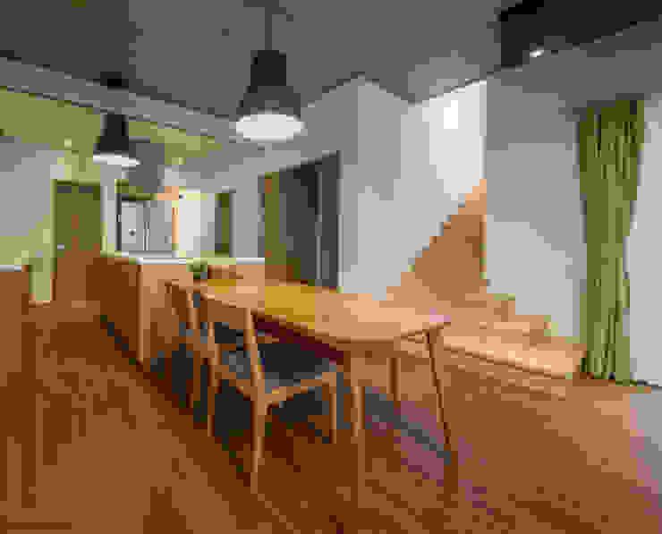 문봉동 세마당집(호호당) 모던스타일 다이닝 룸 by 디자인 인사이트 (DESIGN INSITE) 모던