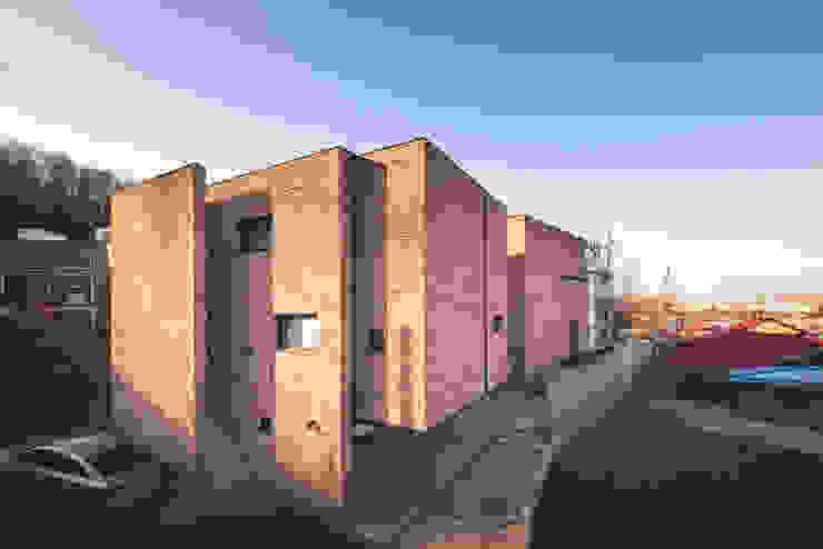 Houses by 디자인 인사이트 (DESIGN INSITE), Modern