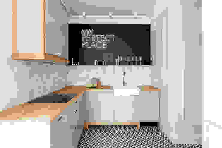 現代廚房設計點子、靈感&圖片 根據 JT GRUPA 現代風
