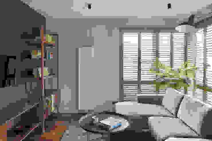 Salon- część wypoczynkowa: styl , w kategorii Salon zaprojektowany przez JT GRUPA
