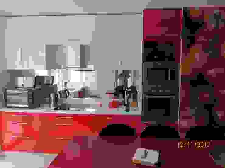 Modern Kitchen by Muebles Menard Modern