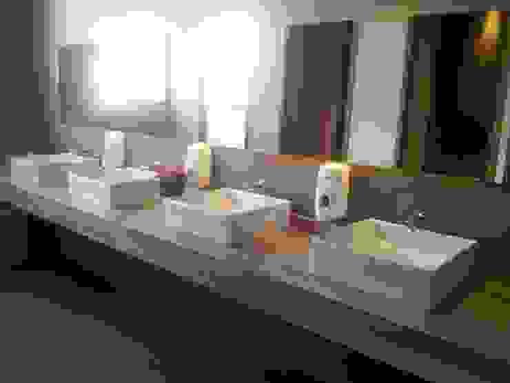 Proyecto Baño Old Grangonian Baños de estilo moderno de Muebles Menard Moderno