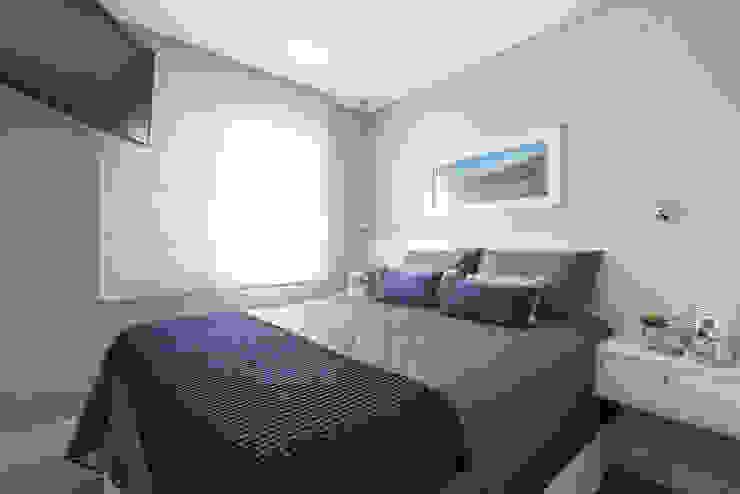Camera da letto moderna di Danyela Corrêa Arquitetura Moderno