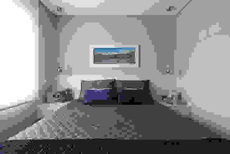Danyela Corrêa Arquitetura Camera da letto moderna