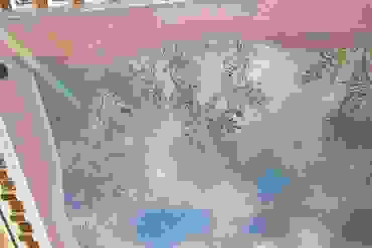 Soffitto dipinto a cielo, decorazione con glicine Colori nel Tempo - decorazioni pittoriche Soggiorno classico Blu