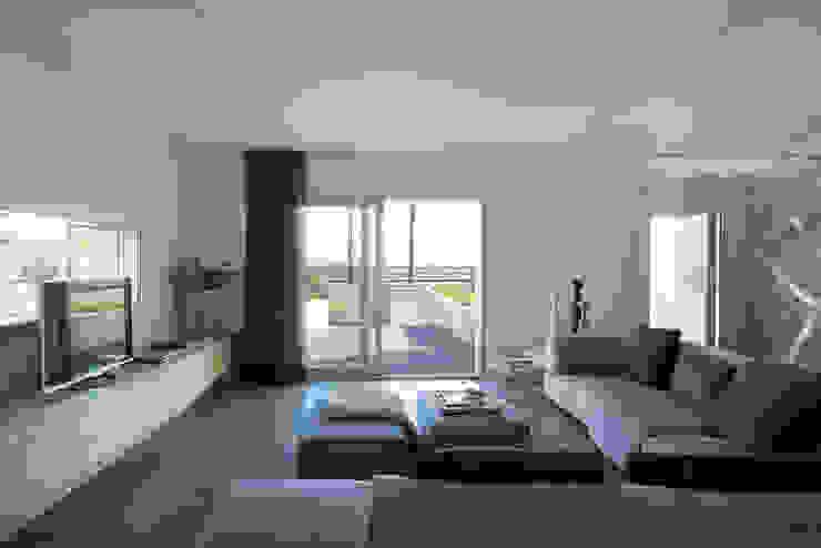 Salas de estar minimalistas por HD Arquitectura d'interiors Minimalista