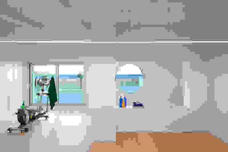 Ginásios minimalistas por HD Arquitectura d'interiors Minimalista