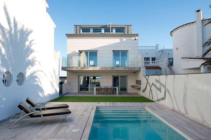 Houses by HD Arquitectura d'interiors, Minimalist
