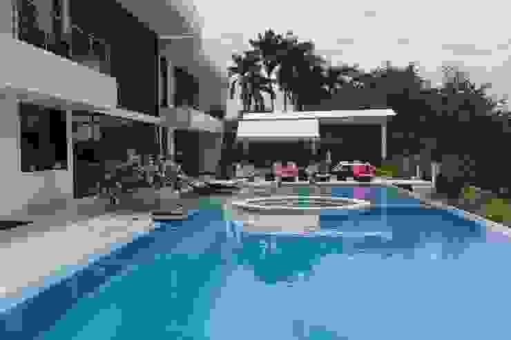 Casa Campestre Condominio <q>El Peñon</q> Girardot / Tel: 3125831655 Casas de estilo minimalista de Construcciones Cubicar S.A.S Minimalista