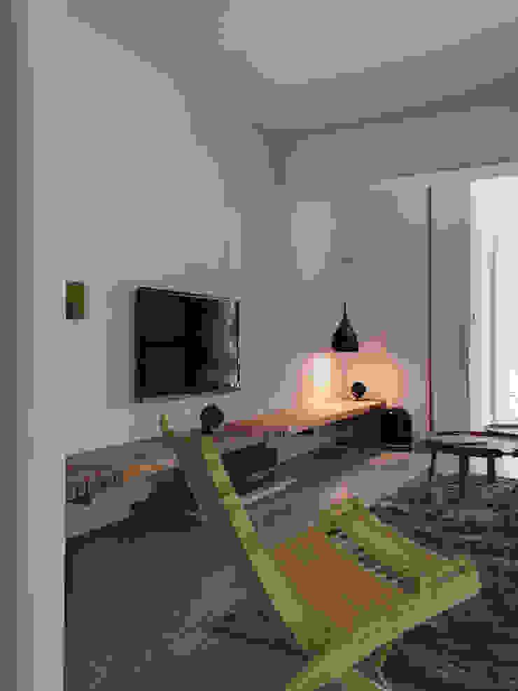 8號‧家減 现代客厅設計點子、靈感 & 圖片 根據 圭侯 洪文諒空間設計 現代風