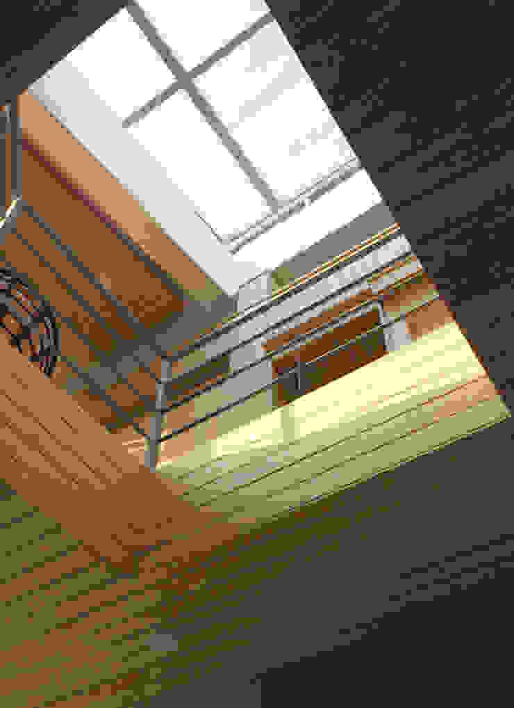 石方山居 現代房屋設計點子、靈感 & 圖片 根據 行一建築 _ Yuan Architects 現代風