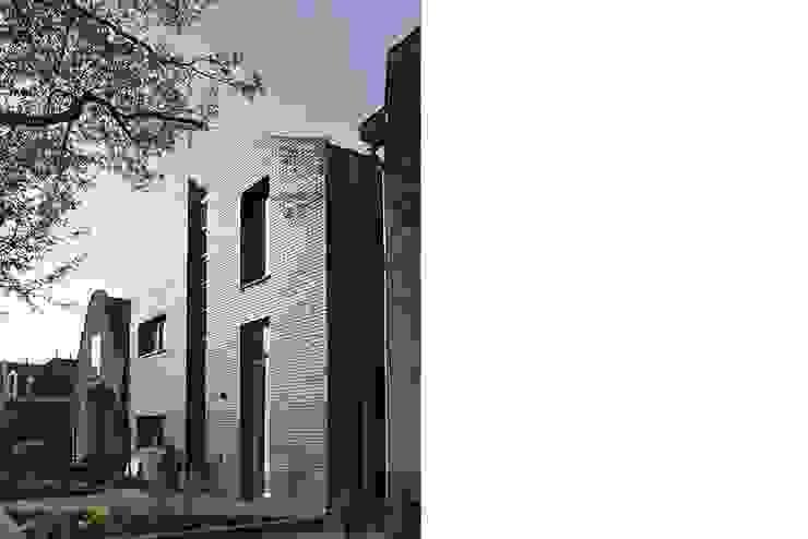 straatgevel Moderne huizen van Studio Blanca Modern