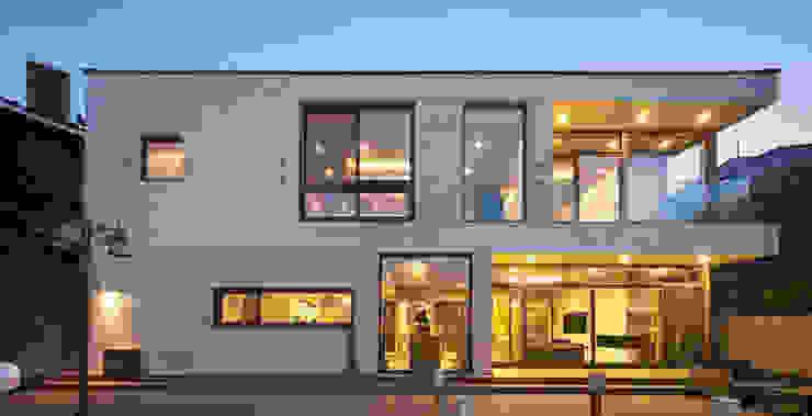 房子 by (주)건축사사무소 모도건축, 現代風 石器