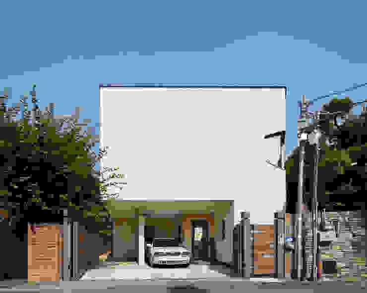 남서측 외관 모던스타일 주택 by (주)건축사사무소 모도건축 모던 사암
