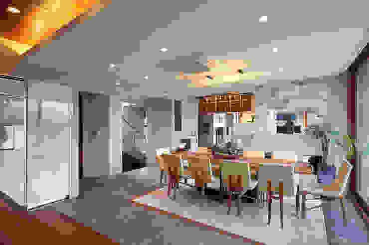 1층 식당 모던스타일 드레싱 룸 by (주)건축사사무소 모도건축 모던 타일