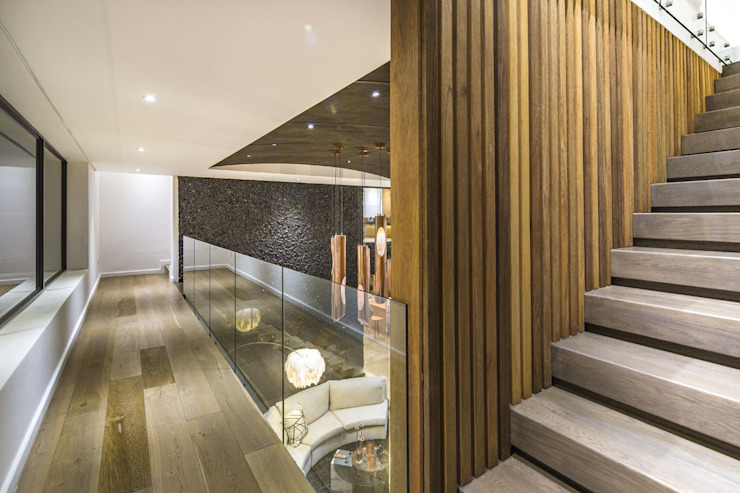 House Umhlanga Modern Corridor, Hallway and Staircase by Ferguson Architects Modern