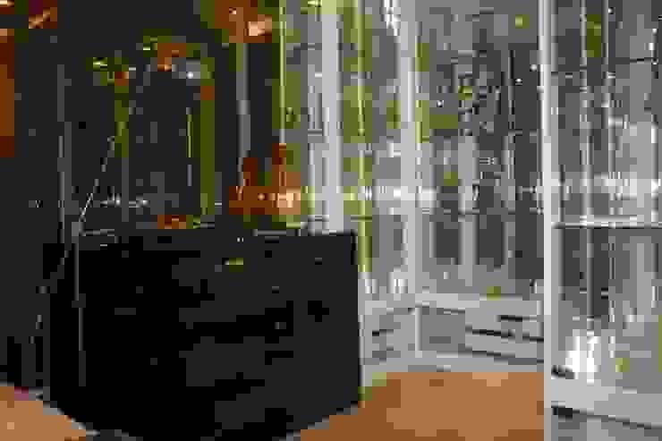 The Room 21 (STYLE LUXURY): คลาสสิก  โดย Future Interior Design Co.,Ltd., คลาสสิค