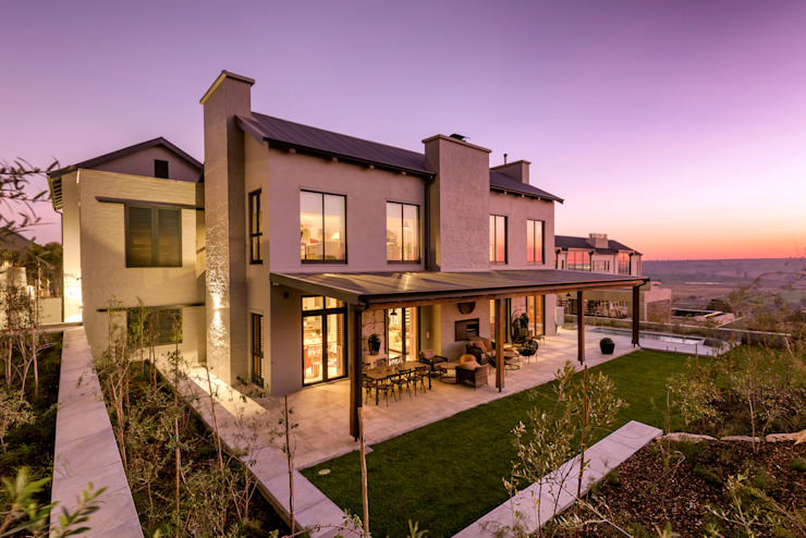 Private Residence, Steyn City, Fourways, Gauteng:  Houses by Gelding Construction Company  (PTY) Ltd,