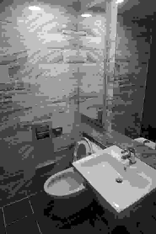30평대 웨인스코팅 인테리어 모던스타일 욕실 by 빅터인디자인그룹 모던