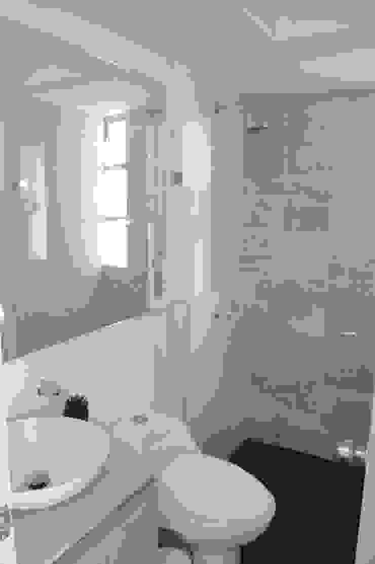 apartamento 603 Baños de estilo minimalista de cadali Minimalista