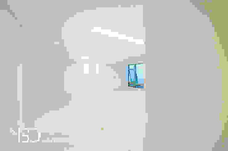 밝고 화사한 거실 모던스타일 거실 by 영보디자인 YOUNGBO DESIGN 모던